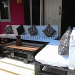 Pallet lounge for your patio or garden