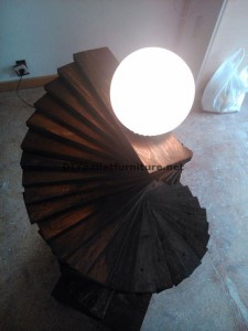 Amazing floor lamp made with pallets 1