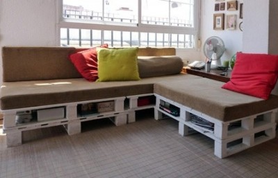 Build a pallet sofa in 3 easy steps 3