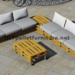 Design of corner sofa with table built using pallets