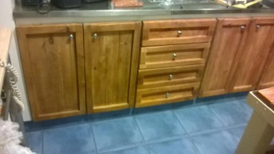 Renovated kitchen furniture using pallet planks 1