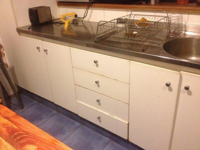 Renovated kitchen furniture using pallet planks 2