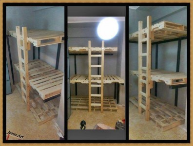 Triple bunkbed built with pallets 2