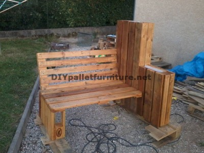 Bench planter built with pallets 2