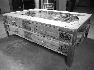 Coffee table with integrated pinball built with pallets 5