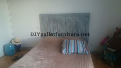 Headboard made of pallet planks 1
