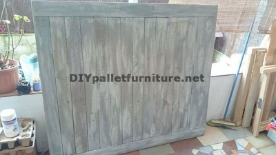Headboard made of pallet planks 2