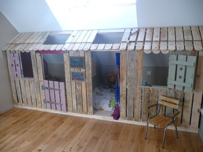 Little house and bedrooms with pallets for the children 1