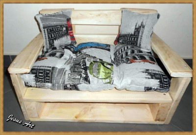 Pet cribs ideas built with pallets 5