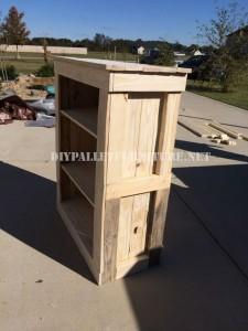 Shoe rack for bedroom built with pallets 1