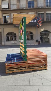 Stage and informative poster with pallets 3