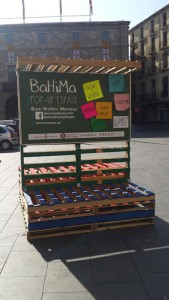 Stage and informative poster with pallets 4