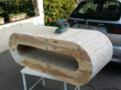 Table design for TV made with pallet planks 2