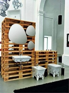Video of pallet ideas for weddings, play kitchens, bathrooms and bunkbeds