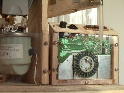 A coffee machine built with pallets! 3