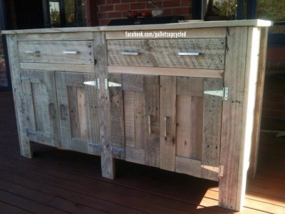 Drawer idea made with pallet planks 1