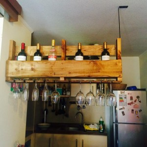 Suspended bottle rack performed built with a pallet 2