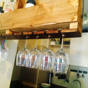 Suspended bottle rack performed built with a pallet 3