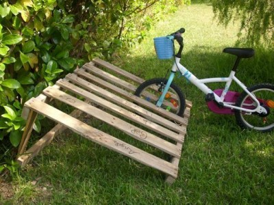 You don't have a good place to park your bike Pallets are the solution! 4