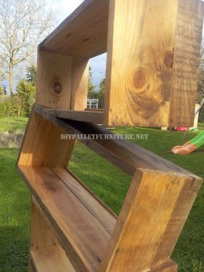 Design bookcase made of pallet planks 6