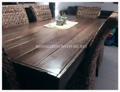 Dining table made with pallets 5