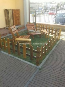 Outdoor furniture set for the garden built using pallets 1