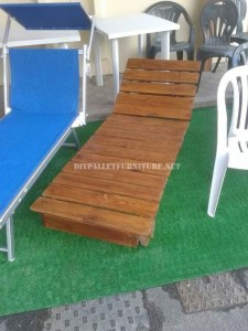 Outdoor furniture set for the garden built using pallets 3