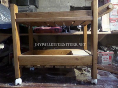 Serving trolley made with pallets 7