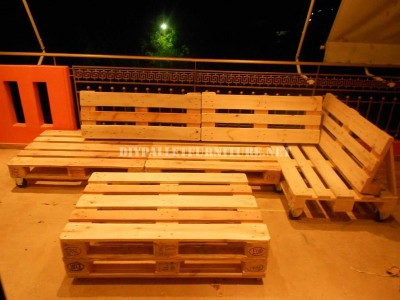 Sofa for terrace made with pallets 3
