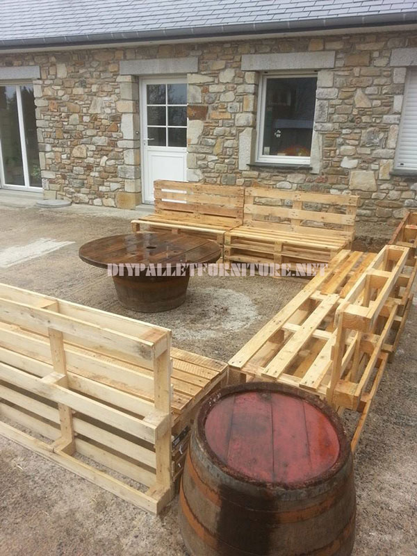 Sofas set for the garden and coffee tablediy pallet furniture diy pallet furniture - Sofas palets jardin ...