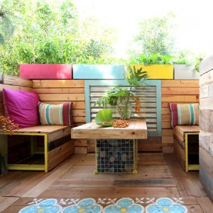 A tropical paradise with pallets 4