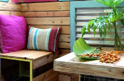 A tropical paradise with pallets 6