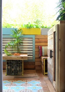 A tropical paradise with pallets 7