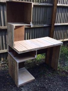 Design desk with pallets 1