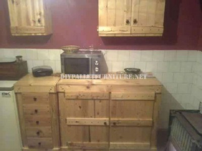 Fully furnished kitchen with pallets 2