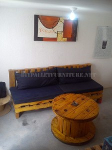 Furnished house with pallets 4