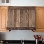 Kitchen hood made of pallet planks