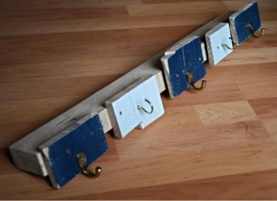 Simple coat rack made from pallet planks 1