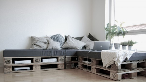 Sofa super easy to build with just 6 pallets 1