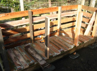 Step by step pallet composter 3