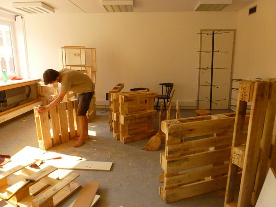 3D plans to furnish an office with pallets 3