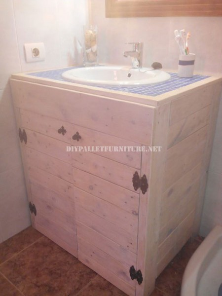 Cabinet for the bathroom sink made with pallets 1