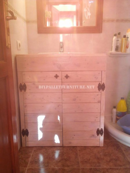 Cabinet for the bathroom sink made with pallets 5