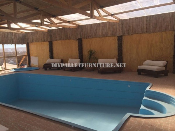 Examples of pallet loungers for a pool 2