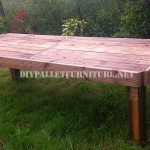 Garden table made with pallets