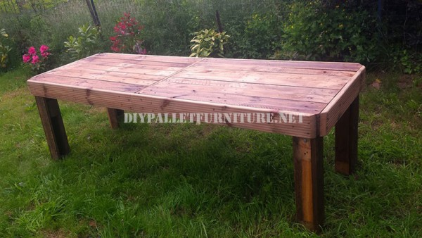 Garden table made with pallets 2