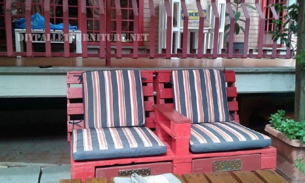 Outdoor sofas and armchairs with pallets 5