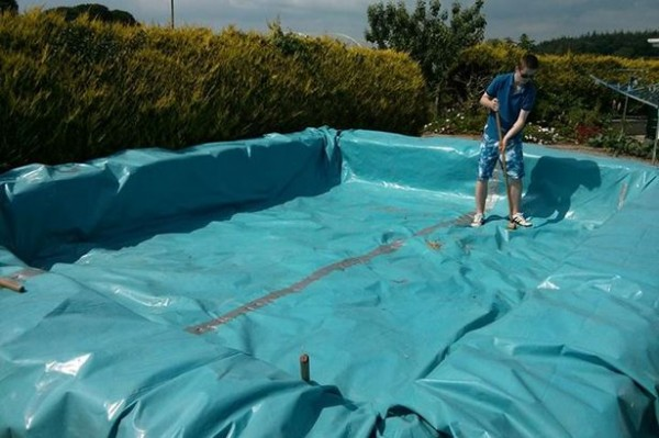 Plans to build a swimming pool with pallets 4