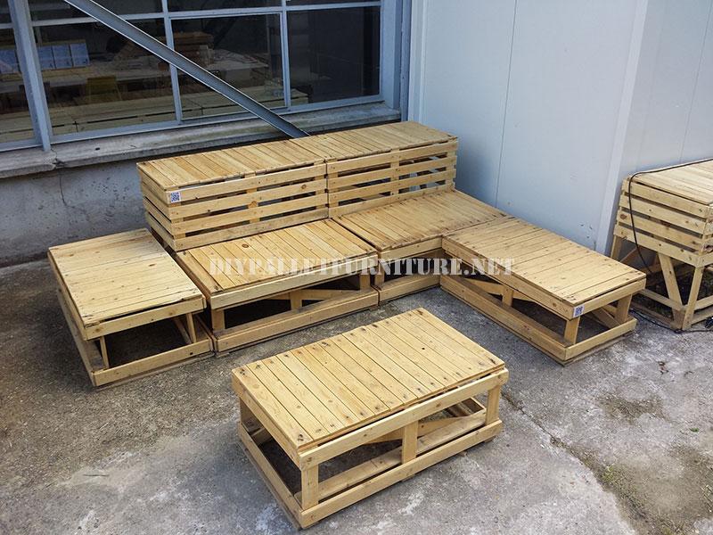 Plans to build modular pallet benchesDIY Pallet Furniture