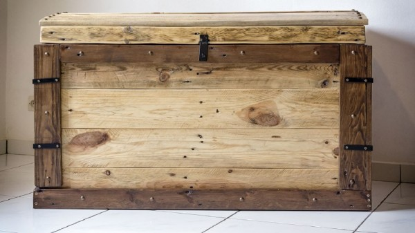 Trunk made with pallets 2